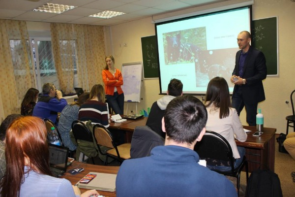 Karl Malcolm (USFS, right) and Eugenia Bragina (WCS, left) lead a discussion on animal populations with students from the Far Eastern Federal University in Vladivostok, February 2017.